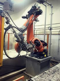 Robotic Arm Precision Water Cutting